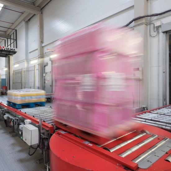 Transportador de paletas - Transporte flexible y eficaz